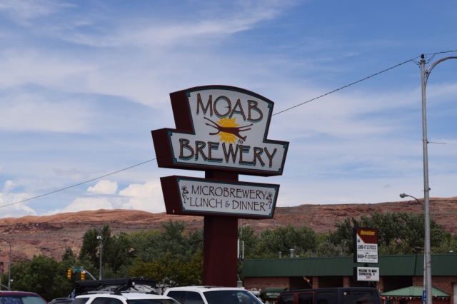 Jeff had the Dead Horse Amber and I had the Moab Especial - both helped wash down chicken sandwiches.